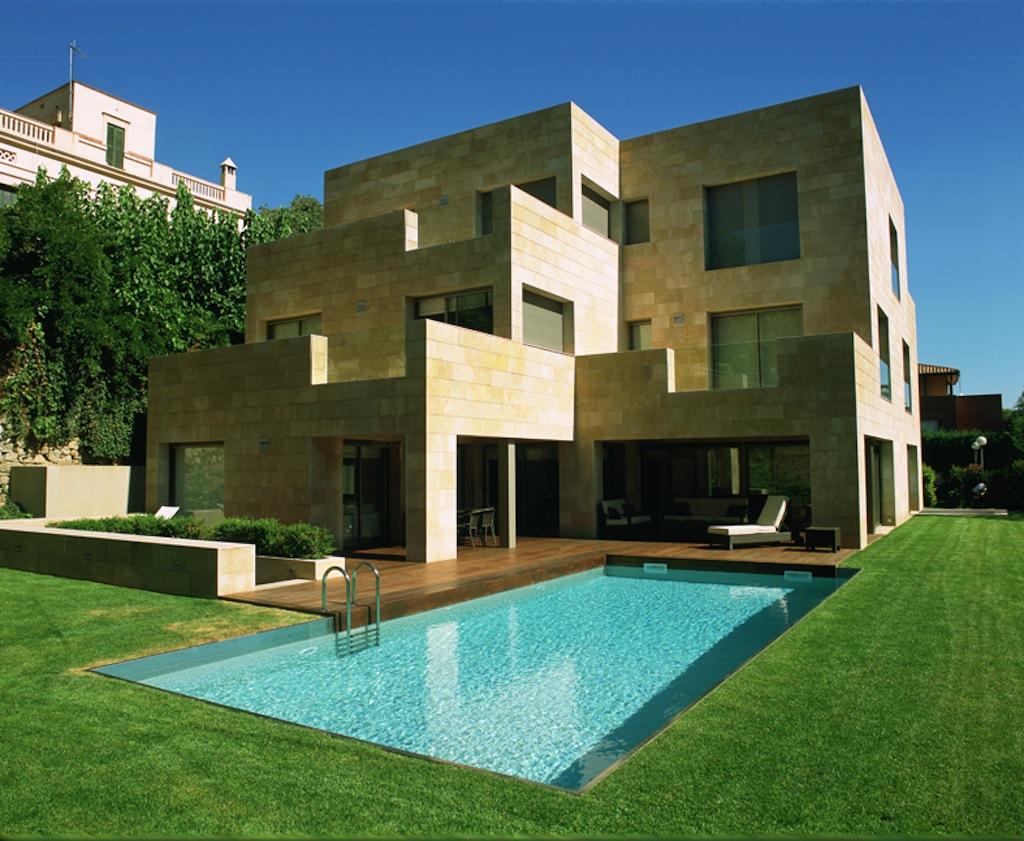 Construcci n de piscinas privadas piscines dome - Gresite piscinas colores ...