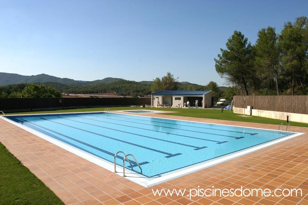 Im genes piscina p blica piscines dome for Piscina olimpia sabadell fotos
