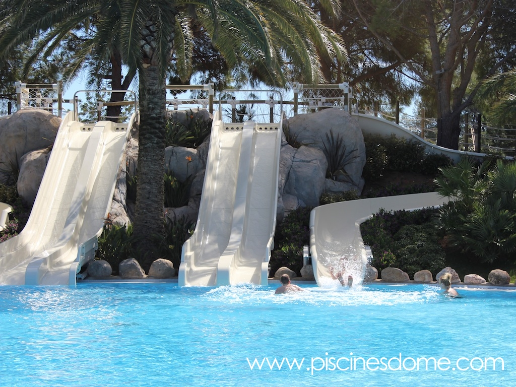 Sistema de llegada en piscina_tobogan acuático