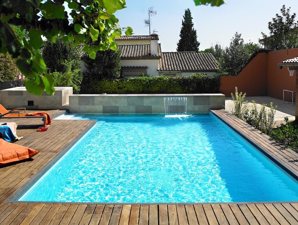 Construcci n de piscinas skimmers piscines dome for Formas para piscinas