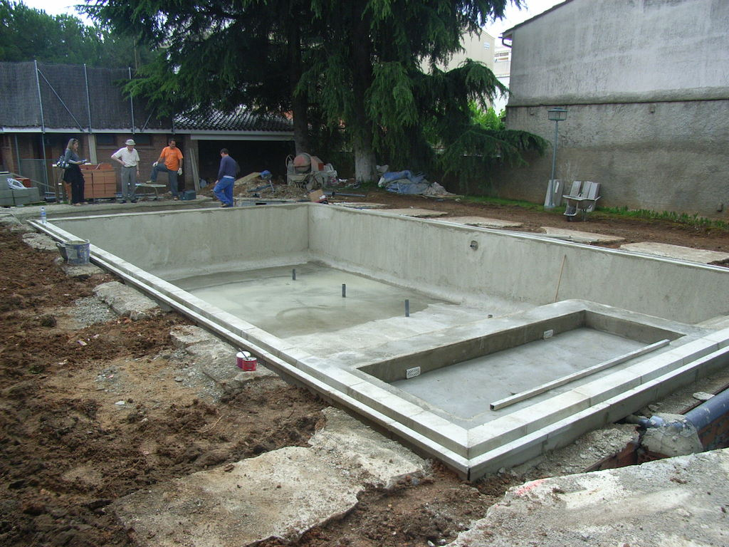 Qu es una piscina de hormig n proyectado o gunite for Construccion de piscinas merida