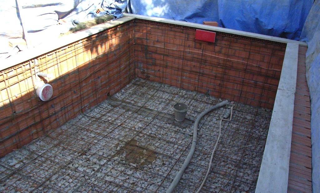 Qu es una piscina de hormig n proyectado o gunite for Piscines dome
