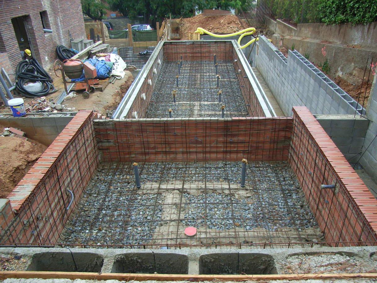 Qu es una piscina de hormig n proyectado o gunite for Como hacer una piscina de hormigon