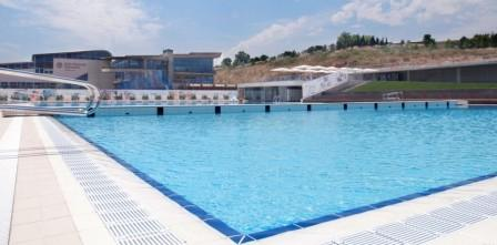 Limpiafondos autom ticos astralpool para piscina p blica for Limpiafondos automaticos para piscinas