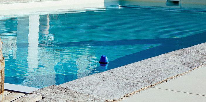 blue-piscina